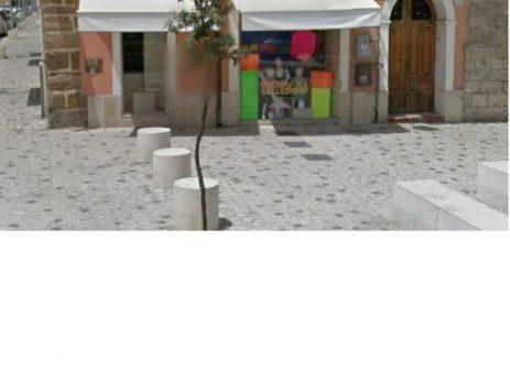 Negozio, locale commerciale di 115 mq, Gela, Caltanissetta