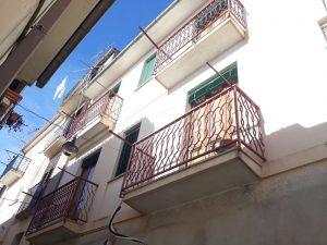 Casa con due appartamenti in vendita a Gioiosa Ionica, Reggio Calabria