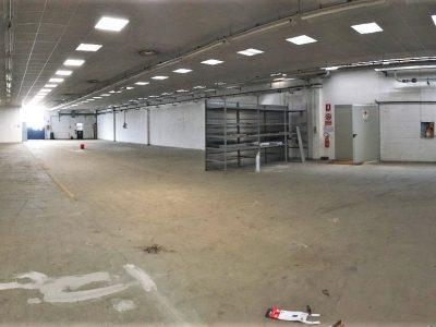 Capannone di 1000 mq in vendita a Trezzano sul Naviglio, Milano