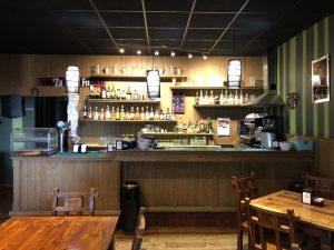 Bar avviato in centro paese con appartamento e mansarda, Gazzola, Piacenza
