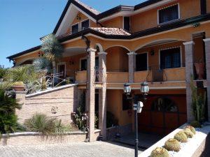 Villa immersa nel verde, Avella, Avellino