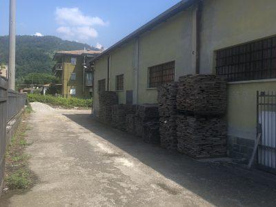 vendesi capannone più terreno, Villongo, Bergamo