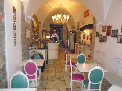 Pisa, attività di bar in contesto storico
