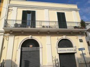 Affitto Locale Commerciale, Triggiano, Bari, via Casalino 86 - Zona Centrale- Stazione Ferroviaria