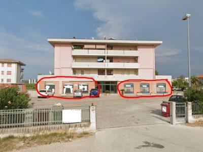 Due Negozi in vendita a Tortoreto Lido, Teramo