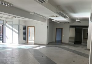 Locale commerciale di 500 mq in affitto, Siena