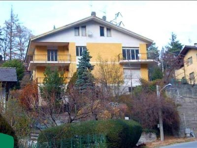 Casa indipendente circondata da giardino privato, Meana di Susa, Torino