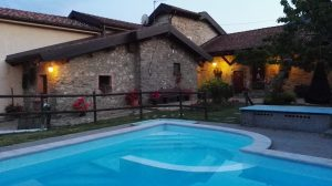 Casale ristrutturato, con 9 unità abitative, vicino a Cinqueterre, Mulazzo