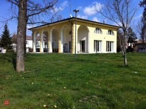 Villa con 3000 mq di parco a 2 km dal centro di Parma