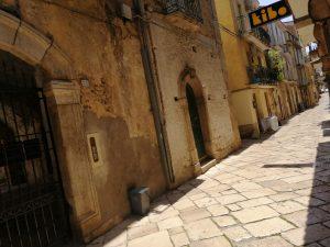 Palazzo d'epoca anno 1110, Fondi, Latina