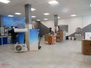 Locale commerciale, magazzino mq 1000 via Casilina Finocchio, Roma